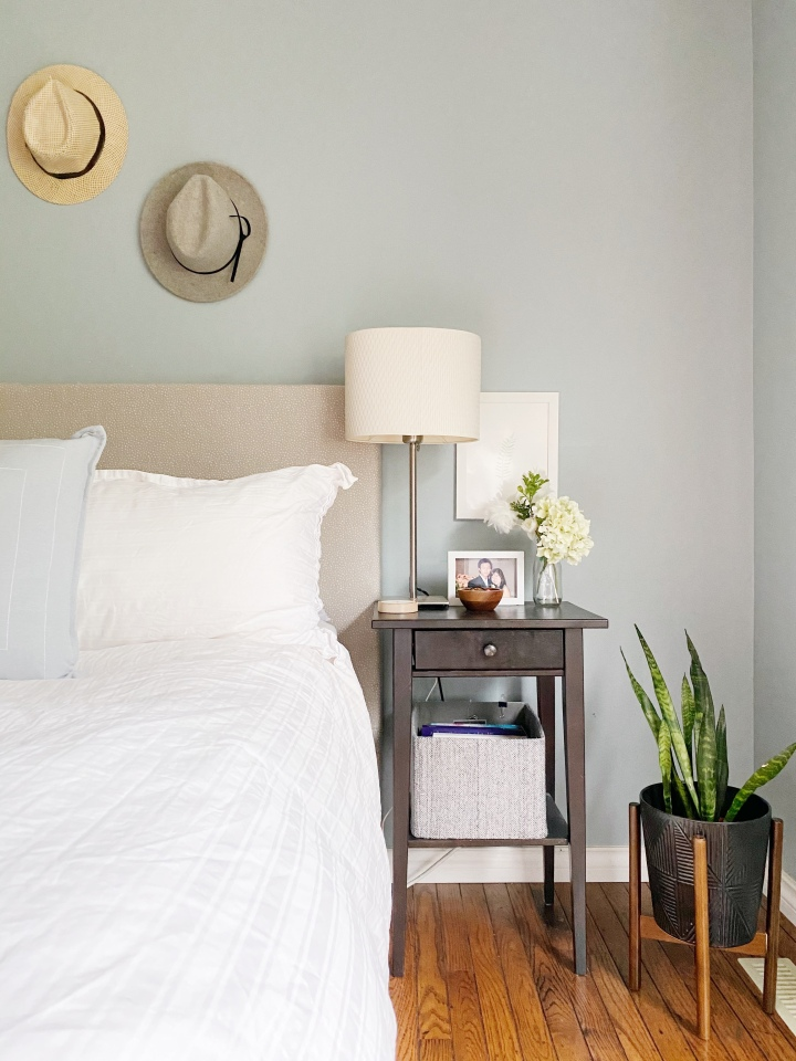 60 Minute DIY Headboard